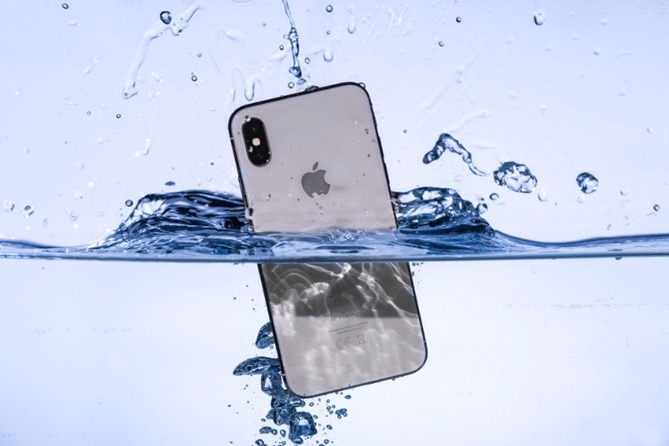 phone water - Key Tips On What To Do If You Drop Your Device In Water