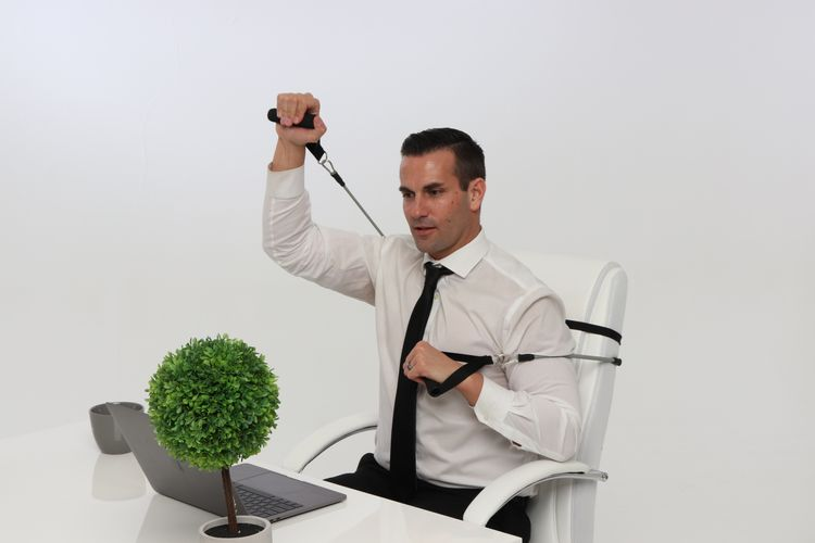 officeexercise - Guide to Stay in Shape at a Desk Job